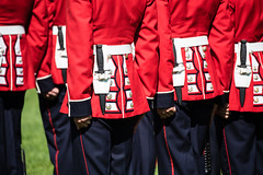 Changing of the Guard, baïonnette (swissgoldeneagle) Tags: d750 nikon changingoftheguard provinceofontario parliamenthill ceremony provincedontario ottawa soldiers ceremonialguard bayonet baïonnette canada 2017ceremonialguard kanada bajonett collineduparlement ontario ca