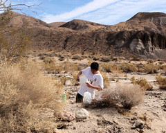 026 Pouring Over The Map (saschmitz_earthlink_net) Tags: 2017 california orienteering redrockcanyon statepark laoc losangelesorienteeringclub mojavedesert desert kerncounty elpasorange
