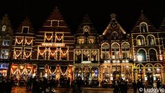 A night in Bruges (02) (Lцdо\/іс) Tags: brugge bruges night nightcity lцdоіс belgique belgium belgie architecture lights christmas flanders flamande flandre venizia venize