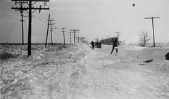 Monticello, IL men shoveling County road Blizzard of January 1918 (RLWisegarver) Tags: piatt county history monticello illinois usa il
