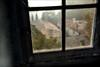 Mélancolie / Spleen (vedebe) Tags: couleurs fenêtre vue toits abandonné decay maisonabandonnée provence urbex