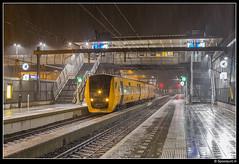 NSR 3430 - 28253 (Spoorpunt.nl) Tags: 10 december 2017 station nijverdal dienstregeling 2018 diesel nederlandse spoorwegen zwolle kampen enschede concessie keolis ns dieselmaterieel treinstellen dm90 afscheidsrit 3430 extra trein 28253 vertrokken avond nacht sneeuw blauwnet laatste nvd afscheid buffel