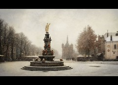 my hometown...2017 AD (Zino2009 (bob van den berg)) Tags: deventer hendrikavercamp painting old view winter snow snowfall blizzard heavy white color square plein holland wintertime pleasure fun pic building waag foutain fontein pubs light moretocome hometown living bobvandenberg