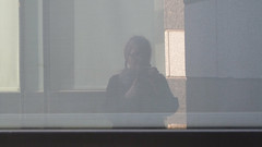 A15623 / on a terrace at sfmoma: plaid selfie (janeland) Tags: sanfrancisco california 94103 sfmoma sanfranciscomuseumofmodernart terrace march 2017 jane selfie noncoloursincolour