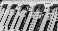 (rdave89) Tags: guildhallartgallery guildhall famous landmark architecture coloursplash blackandwhite london