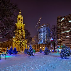 Seasons Greetings from Cathedral Square (johndecember) Tags: milwaukee mke wisconsin usa album 2017 gallery december winter holidaylights cathedralsquare easttown park downtown hdr photomatixpro canonef1635mmf28liiusm canoneos5dmarkiii stjohnsevangelicallutheranchurch spirit westtown nrhp milwaukeelandmark stjohnsevangelical 777northvanburenstreet residential tower home apartment construction night snow christmaseve