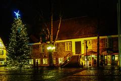 Eckernförde, Rathausmarkt (Ostseeman) Tags: eckernförde nachtaufnahme weihnachten