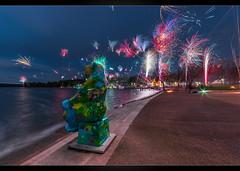 Happy New Bear 2018 (Mikedie1) Tags: berlin newyear neujahr silvester 2018 newyearseve firework feuerwerk bottlerocket color night city bear newyear2018 bär buddybär buddybear canon 80d sigma 1020mm
