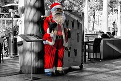 Ho ho ho (Fn2street) Tags: street road people café noel decor decoration nadal christmas xmas natal natale navidad outdoor