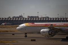 Iberia A340-600 (EC-JLE) © (CAUT) Tags: ©caut mad lemd españa spain 2016 nikon nikond610 d610 aeropuerto airport flughafen airline aerolinea spotting spotter madridbarajas madrid aeropuertomadrid plane adolfosuarez avion flugzeug aircraft aviation aviacion flight vuelo