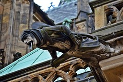 Gargoyles - 39 (fotomänni) Tags: gargoyles gargouille skulptur sculpture skulpturen steinfiguren prag praha prague veitsdom manfredweis
