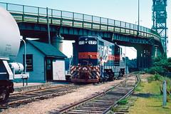 573_08_27 (3)_crop_clean (railfanbear1) Tags: locomotive mec dh guilford gp7