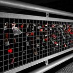 (Red) Love padlocks by night on Ebert's bridge in Berlin thumbnail