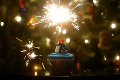 Best Wishes 2018 (-SOLO--) Tags: bestwishes flickrfriday 2018 newyear sparkler bokeh cupcake