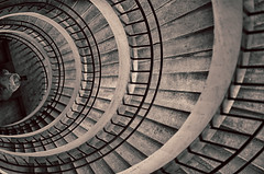 Horizontal Staircase (Traveller_40) Tags: 85mmm deutschesmuseum sigamart85mm sigmaart walkwihfriends