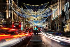 2017-12-02-0115 (Kevin Maschke) Tags: london fuji fujifilm fujifilmxt2 fujixt2 fujix longexposure longexpo slowshutter lighttraces lightpainting city londoncity londonstreets christmas christmaslights londonchristmas christmaslondon