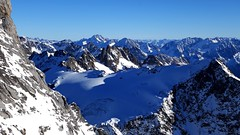 High Up (Daphne-8) Tags: snow scnhee sneeuw neve nieve neige ski engelberg switzerland schweiz suisse suiza svizzera suíça skifahren schifahren skiën mountain landscape titlis mountainside