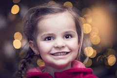 5V6A9551_red (Eivind Nielsen) Tags: daughter girl happy christmas bokeh
