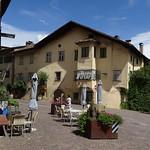 Village Caldaro in der Altstadt von Kaltern thumbnail