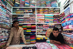 Draper's shop (Hiro_A) Tags: draper drapers drapersshop fabric gulshan gulshan2 dhaka bangladesh asia people shop sony rx100m3 textile