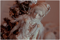 (Bluoxyde) Tags: zaoll bjd white christmas luv figure doll balljointed