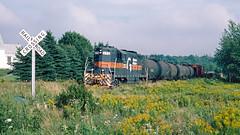 573_08_27 (7)_crop_clean (railfanbear1) Tags: train mec dh guilford gp7