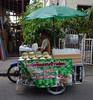 coconut juice and ice cream vendor (the foreign photographer - ฝรั่งถ่) Tags: coconut juice ice cream vendor cart mortorcycle wat prasit mahathat bangkhen bangkok thailand nikon