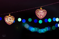 Holiday Spirit (TheTomL3) Tags: bokeh holidayseason lights luces lumieres canon eos 600d canoneos600d canonef50mmf18stm ef 50mm f18 stm fiestas heart coeur corazon love amour amor nifty fifty niftyfifty