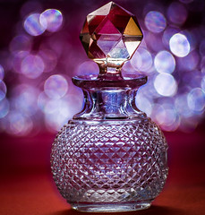 Macromondays-Bokeh-25Dec2015 (+Pattycake+) Tags: crystal bokeh memberschoice leadcrystal macromondays christmasday perfumeflask 25dec2017 glass macro facets light
