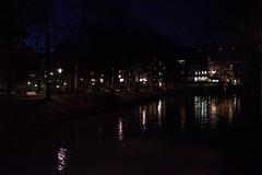 Nachts am Roßneckarkanal in Esslingen (reipa59) Tags: weihnachtszeit advent winter spiegelungen wasser kanal reflektionen reflections lichter ufer neckar rosneckarkanal esslingen badenwürttemberg