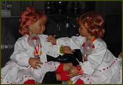 Es war einmal ... warten aufs Christkind ..................... und wir sitzen immer noch im Unterrock .. (Kindergartenkinder) Tags: kindergartenkinder annette himstedt dolls sanrike tivi dezember weihnachten christkind
