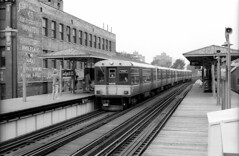 CTA L at Sedgwick 6-20-88 24 (jsmatlak) Tags: chicago cta l elevated subway metro train electric railway
