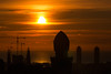 Park Güell Siluetas (bienve958) Tags: amanecer panoramicasbcn parcguell barcelona catalunya españa es siluetas paisaje sol nubes landscape cityscape sunrise sun warm twintowers sagradafamilia sunrisessunsets