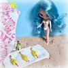 BaD Dec 27 - Roast Chikens (lyndell23) Tags: blythedoll blytheaday photochallenge wubbachiken wubbachicken wubba wubbachikenwednesday wubbawednesday beach poseidonstreasurepetite