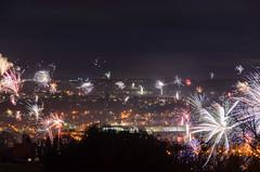 Silvester-Feuerwerk (tankredschmitt) Tags: feuerwerk flickr lichteffekte nachtaufnahme sylvester wordpress