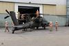 Gereedmaken transport AH-64D Apache (Defensiefotografie Nederland) Tags: 10combataviationbrigade 10thcab ah64 ah64apache apache boeingdefense martinbos mcdonnelldouglas usarmy aircraft militairpersoneel transport vliegtuig