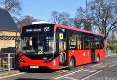 DSC_9556w (Sou'wester) Tags: bus buses publictransport psv london londontransport lt lrt tfl kewbridge brentford