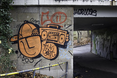 g (wallsdontlie) Tags: graffiti cologne g geist