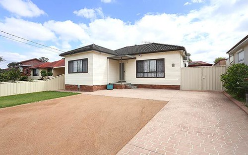 346 Hamilton Rd, Fairfield West NSW 2165