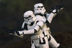 Back to Back (jezbags) Tags: stormtroopers backtoback battle stormtrooper troopers trooper starwars canon canon80d 80d 100mm closeup upclose macro macrophotography macrodreams actionfigure