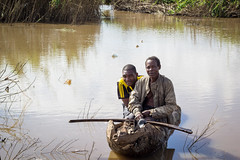 Agriculture in Tanzania (CIFOR) Tags: waterresources river livelihoods males communityforestry livingconditions people localpeople boat men morogororegion tanzania tz