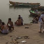 Sur les ghats de Bénarès, Uttar Pradesh, Inde thumbnail