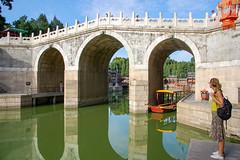 Suzhou street, Yiheyuan - summer palace, Beijing (bruno vanbesien) Tags: beijing china zhōngguó boat bridge pool reflection 中国 cn