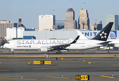 N653UA (JBoulin94) Tags: n653ua united airlines boeing 767300 star alliance special livery newark liberty international airport ewr kewr usa newjersey nj john boulin