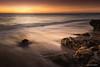 Solo es una tarde más. Una tarde en la que no quería pensar en nada, solamente disfrutar de este momento... (juanma pelegrin) Tags: polarizadot hitech haida filtros cadiz largaexposicion paisaje puertodesantamaria rocas arena playa atardecer fotografia fotografo juanmapelegrin