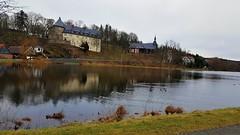 Stiege - Schloss und Kirche (ohaoha) Tags: europa europe deutschland germany alemania sachsenanhalt harz stiege stadtteilstadtoberharzambrocken schloss jagdschloss kirche see wasser bäume