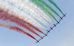 Frecce Tricolori @ LSMP (stecker.rene) Tags: freccetricolori aermacchi mb339nat mb339 tricolore airshow aerialdisplay flyingdisplay formation line smoke red white green italian italy nato lsmp payerne payerne2014 payerne14 team demo flying flypast aerodrome afb airbase air14 military trainer aircraft canon eos7d tamron 150600mm blue sky 2014