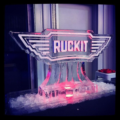We love a clean #icesculpture #logo that adds a festive touch to a #holidayparty #fullspectrumice #thinkoutsidetheblocks #brrriliant - Full Spectrum Ice Sculpture