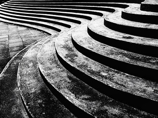 - curves -  #curves #abstract #steps #blackandwhite #blackandwhitephotography #blackandwhitephoto #bw #bwphotography #bnw #bnwphotography #monochrome #monochromephotography #freestyle #other #iphone