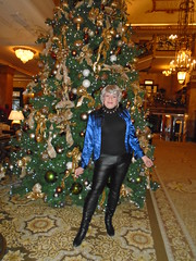 Last Chance! (Laurette Victoria) Tags: leather leggings boots blouse gray woman laurette hotel xmas tree milwaukee pfisterhotel pleather